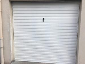 Porte garage fermée