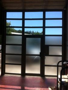 Intérieur façade vitrée aluminium